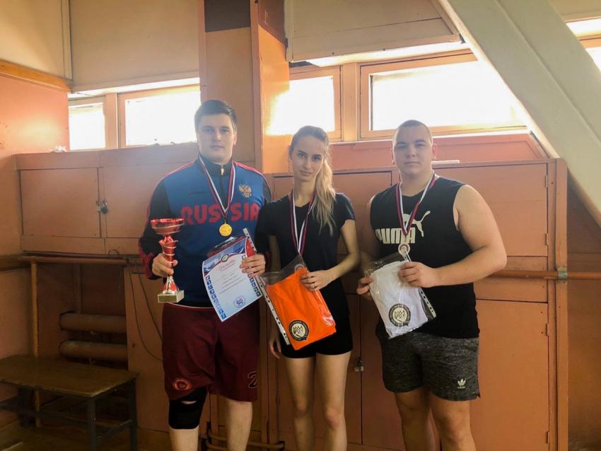 Команда Юридического института заняла 1 место в первенстве по настольному теннису