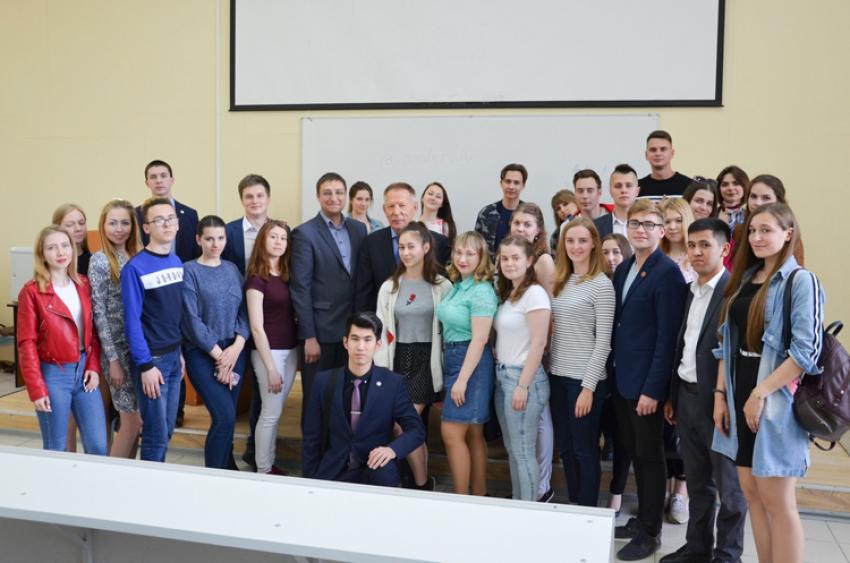 В АлтГУ состоялась встреча студентов с депутатом Государственной думы Николаем Федоровичем Герасименко