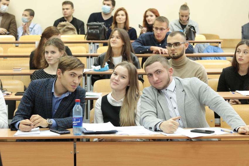 1 и 4 октября студенты юридического института приняли участие в ежегодных судебных поединках в рамках Сибирской Юридической Недели