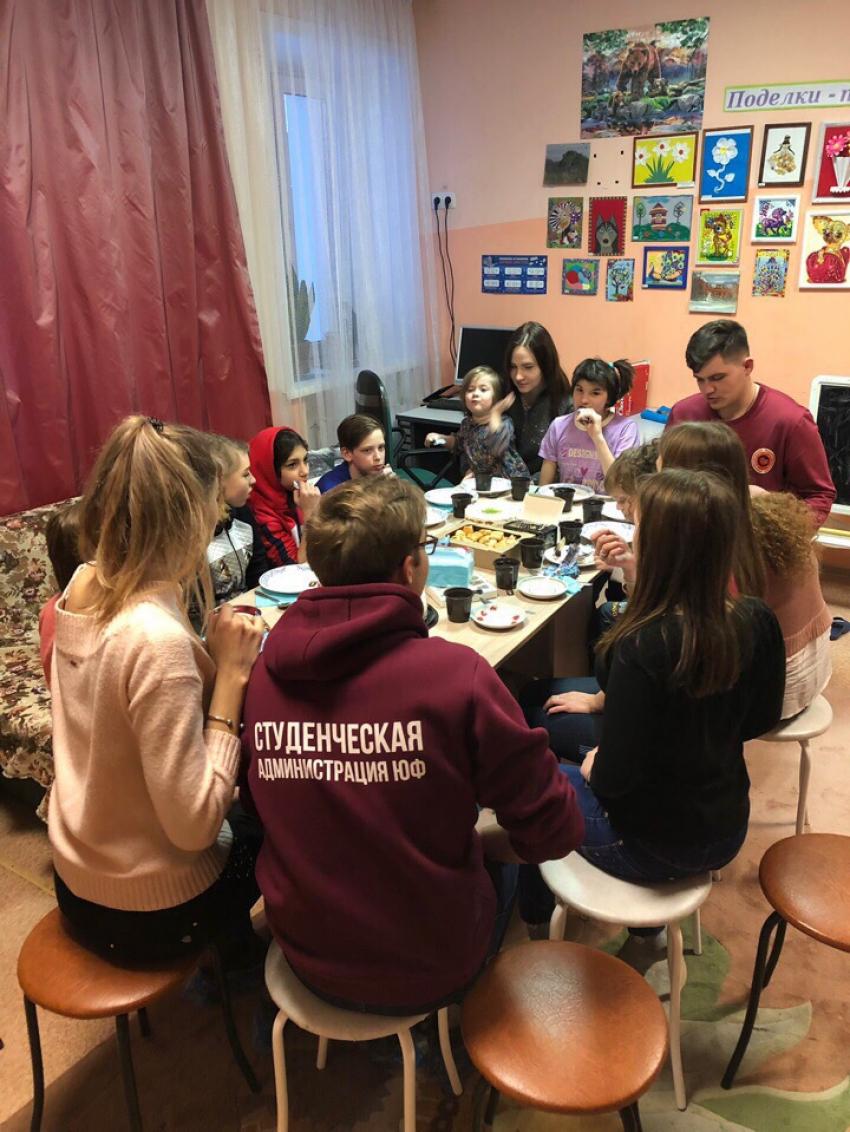 7 марта наши активисты посетили Детский дом 1 (ул. Эмилии Алексеевой 29)